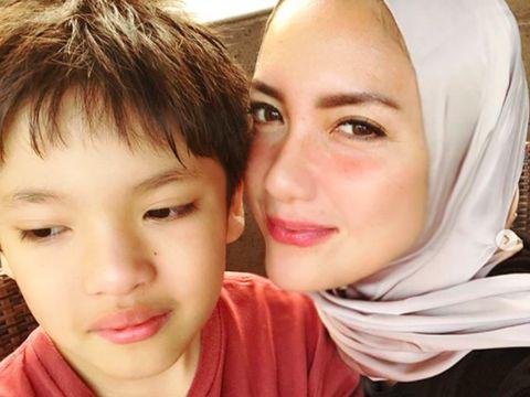 Resolusi 2018, Tia Ivanka Akhirnya Mantap Berhijab?