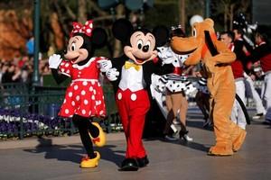 Ssst, Ini Kalimat yang Tidak Boleh Diucapkan Pegawai Disneyland