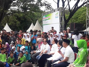 KLHK Ajari Ribuan Pelajar di Bandung Kelola Sampah