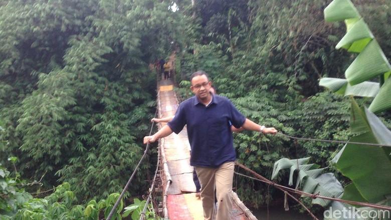 Ganti Jembatan Ngeri di Jagarkasa, Anies:  Siapkan Konstruksi Tepat
