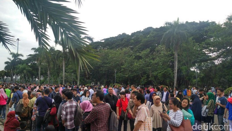 Begini Antrean Bikin Paspor di Festival Imigrasi Monas