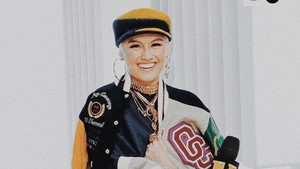 Agnez Mo-Chris Brown Makin Mesra, Netizen Malah Was-was