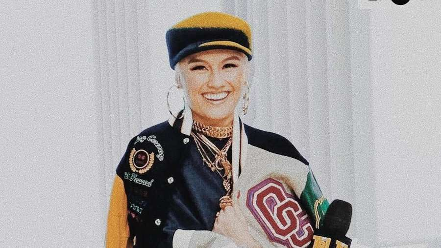 Agnez Mo dan Chris Brown Ciuman, Video Klip Baru?