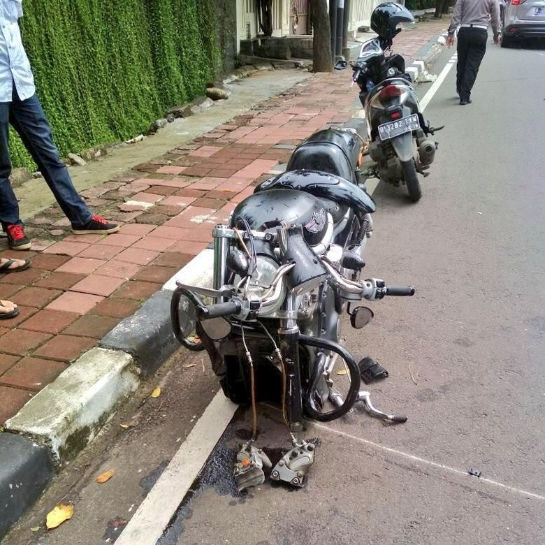 Biker Moge yang Tabrakan dengan SUV di Pakubuwono Anggota TNI