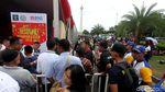 2.000 Warga Antre Bikin Paspor di Monas
