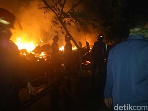 Kebakaran Warung dan Gudang, Polisi Temukan 1 Orang Terpanggang