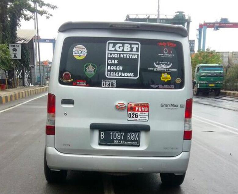Arti LGBT untuk Pengendara Mobil Foto: dok. Pasang Mata detik.com