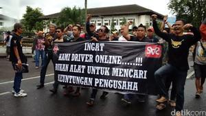 Sopir Taksi dan Ojek Online Bandung Tolak Permenhub 108