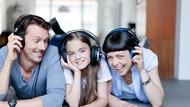 3 Cara Orang Tua Jadi Teman untuk Anak yang Beranjak Remaja