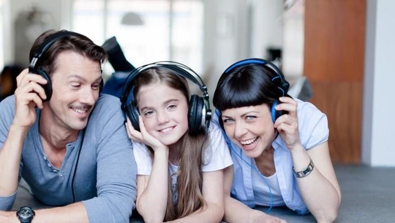 Manfaat Mengajak Anak Belajar Lewat Podcast/ Foto: Thinkstock