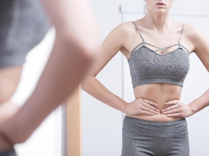 Kegiatan simpel sepeti naik tangga, shopping, mengerjakan pekerjaan rumah tangga bisa membakar 100 kalori bahkan lebih/Foto: Thinkstock