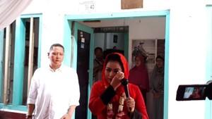 Kunjungi Rumah Kelahiran Soekarno, Puti Menangis