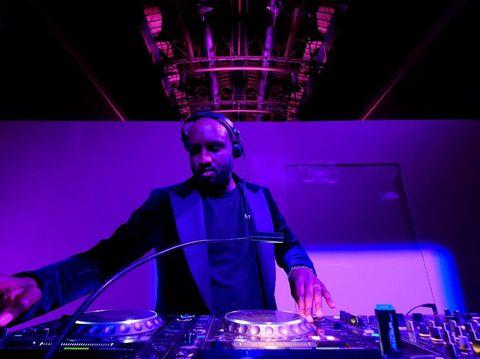 DJ sekaligus desainer pendiri label Off-White.