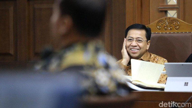 Buku Hitam dan Tulisan Novanto soal Anggota DPR Penerima Duit e-KTP
