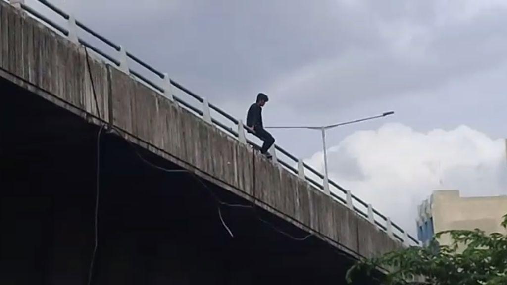 Foto: Ini Flyover yang Jadi Lokasi Pria Lompat di Video Viral