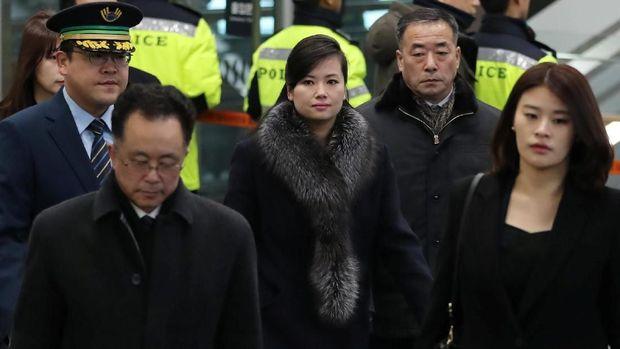 Hyon Song-Wol saat memimpin delegasi Korut meninjau lokasi Olimpiade Musim Dingin di Korsel pada 21 Januari kemarin