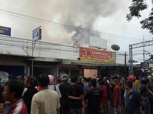 Kebakaran Swalayan Sinar Fresh dan Gudang Diduga Korsleting Listrik