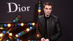Muach! Robert Pattinson Kepergok Ciuman dengan Suki Waterhouse