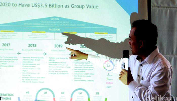 Untuk mencatatkan kinerja positif di tahun ini, Garuda Indonesia menerapkan strategi khusus, yaitu 5 quick win. Perseroan melakukan efisiensi di operasional mulai dari penyewaan pesawat hingga bahan bakar (fuel).