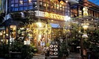 Kalau ke Bangkok, Jangan Lupa Mampir ke 10 Restoran Unik Ini! (1)