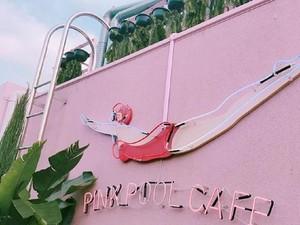 Bisa Puas Selfie di Stylenanda Pink Pool Cafe yang Serba Pink dan <i/>Girly</i> Ini
