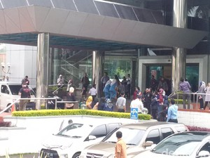 Gempa 6,4 SR Banten, Karyawan di Bandung Berlarian