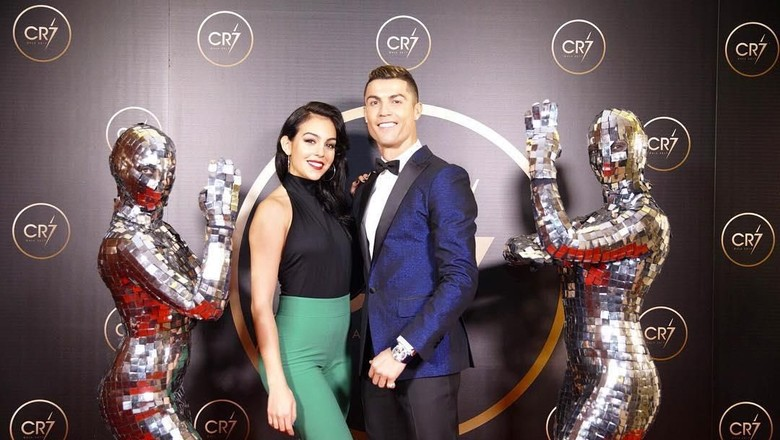 Christiano Ronaldo dan Kekasihnya (Instagram/@cristiano)
