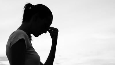 Saat Ibu Berusaha Tegar di Depan si Kecil yang Sakit Serius