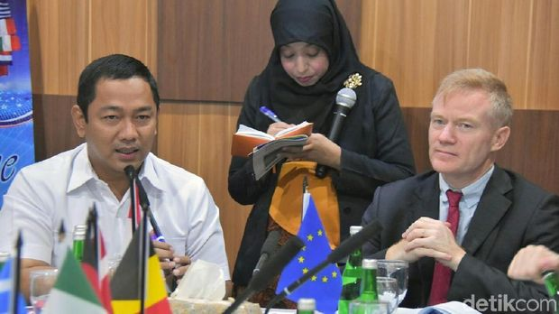 Kagumnya Duta Besar Uni Eropa di Kampung Pelangi Semarang