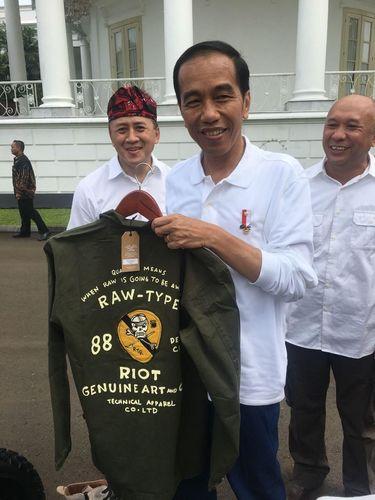 Jaket Garang Jokowi