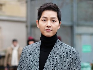 Penyebab Rambut Rontok Parah karena Stres Seperti Dialami Song Joong Ki