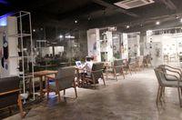 Paradigma Kafe : Di Kantor Parpol Ada Begor Renyah dan Teh Sekar Kedaton yang Semerbak
