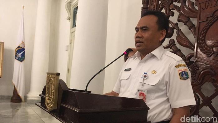 Sekda DKI Saefullah saat menjelaskan soal usul lift rumah dinas Anies (Indra Komara/detikcom)
