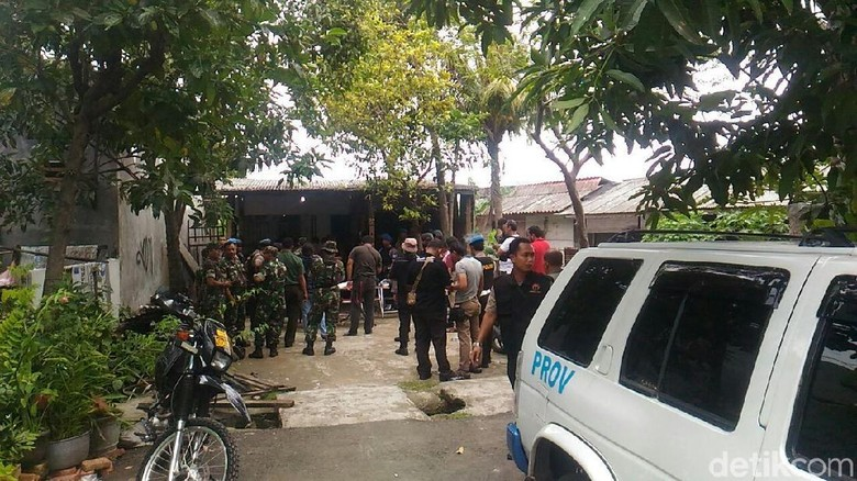 Bahan Sabu 18 Kg hingga Senpi Disita dari Penggerebekan Kampung Narkoba