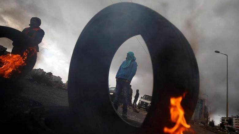 Aksi Menolak Kedatangan Mike Pence ke Yerusalem