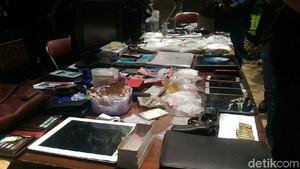 Polisi Amankan Ibu Hamil Terkait 18 Kg Bahan Narkoba di Kampung Ambon