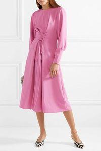 5 Model Dress Kerja yang Bikin Kamu Terlihat Feminin Sekaligus Powerful