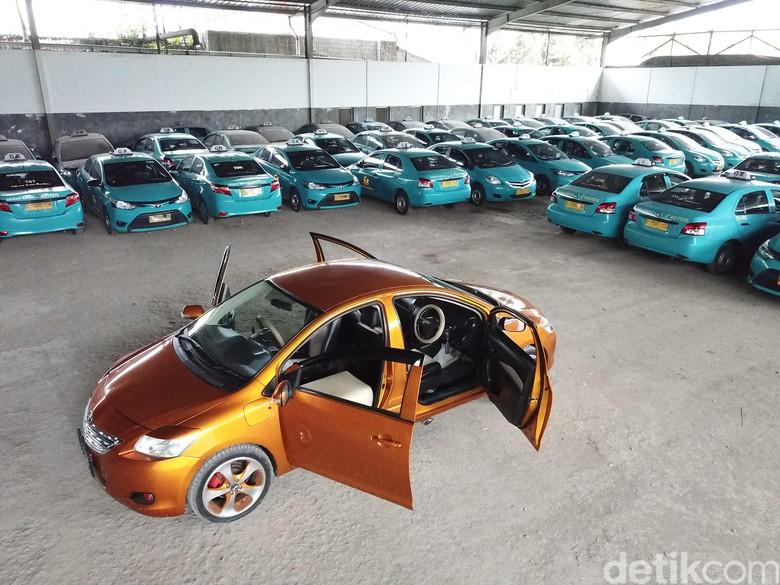 Mobil Bermuka Dua. Foto: Abdul Haris Utiarahman