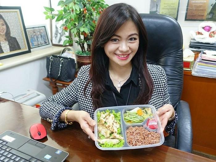 Tante cantik yang viral beberapa waktu lalu, Puspa Dewi, rutin mengunggah makanan bergizinya di instagram.(Foto: instagram/puspadewihc)