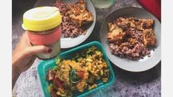 Di hari gizi nasional, ternyata masih banyak artis tanah air yang tetap memilih gaya hidup sehat. Begini menu sehat mereka sehari-hari.