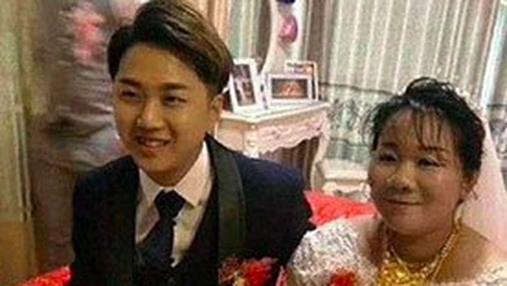 Viral, Pria Nikahi Wanita yang Satu Tahun Lebih Muda dari Ibunya