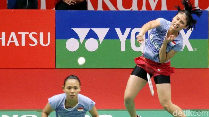 Della Destiara Haris/Rizki Amelia Pradipta disemprit oleh pelatih Eng Hian. (Agung Pambudhy/detikSport)