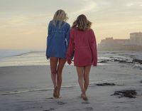Bisnis Baju Renang dari Sampah Plastik, 2 Anak Millennial Ini Raup Miliaran
