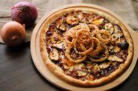 Malam Ini Enaknya Ngemil Pizza Berlumur Keju di 5 Tempat Ini