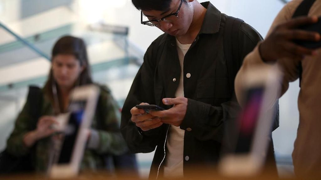 Adu Kencang Internet Operator Indonesia, Siapa Menang?