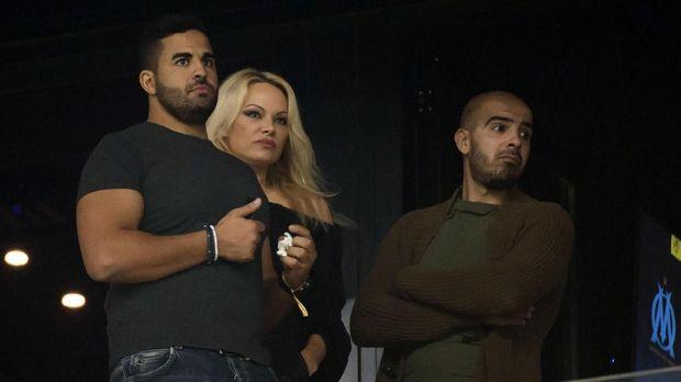 Pamela Anderson menambah deret WAG's di timnas Prancis jelang laga final Piala Dunia 2018. (