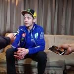 Valentino Rossi Tak Lagi Muda, Pensiun Saja atau Terus Balapan?