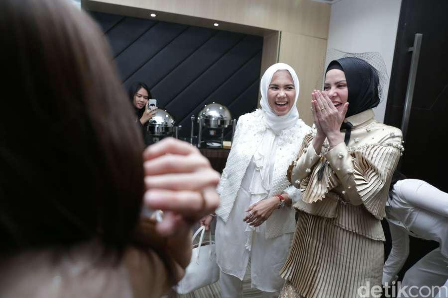 Momen Lucu dan Seru di Bridal Shower Angel Lelga