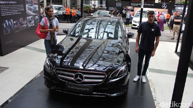 Kelebihan Mercedes-Benz New E 200 Rakitan Indonesia Foto: M Luthfi Andhika