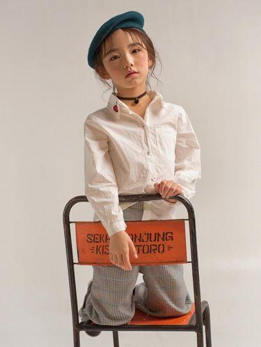 Viral, Anak Tecantik di Korea Pemotretan Pakai Kursi Kondangan Dari Wonogiri
